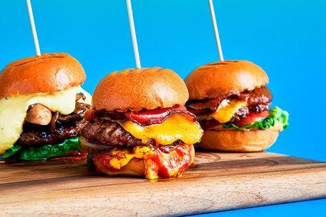 Fristende burger-menu en helstøbt spiseoplevel-se i form af en lækker burgermenu, som du kan nyde lige ude ved Rung-sted Havn.
