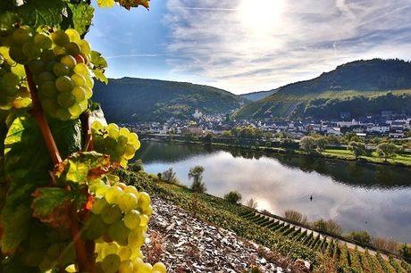 Romantische Auszeit im Weinparadies Mosel - Kostenfrei stornierbar, Weinromantikhotel Richtershof, Mülheim an der Mosel, Rheinland-Pfalz, Deutschland - save 32%