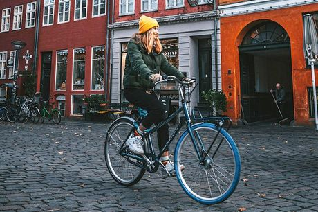Nyhed: Lej en cykel i 1 måned Du har helt sikkert set cyklerne med de genkendelige blå forhjul i bybilledet. Swapfiets har for alvor vundet ind i både Holland, Tyskland, Belgien og nu Danmark, hvor cyklen ofte foretrækkes som transportmiddel i de større b
