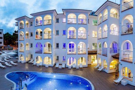 Sorglose Sonnenauszeit auf Mallorca - Kostenfrei stornierbar, R2 Bahia Cala Ratjada Design Hotel, Cala Ratjada, Mallorca, Balearen, Spanien - save 35%