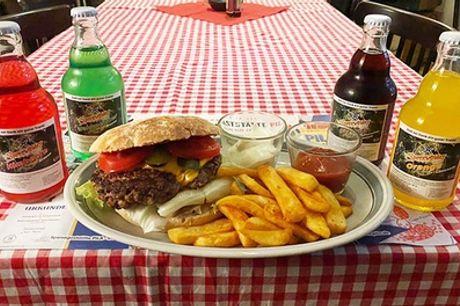 """Grilletta-Menü """"DDR-Burger"""" mit hausgemachten Pila-Pommes frites bei Speisegaststätte Pila (bis zu 26% sparen*)"""