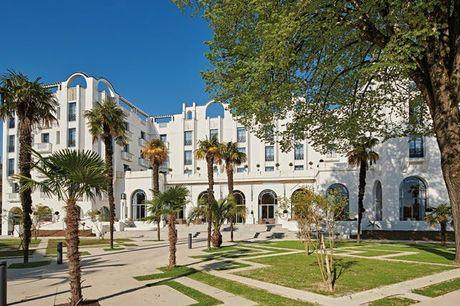 Spa Cinq Mondes dans un hôtel Art Déco à Dax - 100% remboursable, Nouvelle-Aquitaine, Hôtel et Spa Le Splendid 4* - save 56%
