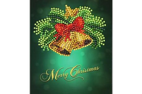 DIY 5D Diamond Painting Christmas Greeting Cards. Make your own hand-designed Christmas cards for your loved ones. Material is made of sturdy and high-quality paper. Fun Christmas activities for young children and the family. Package comes with 1x Diamond