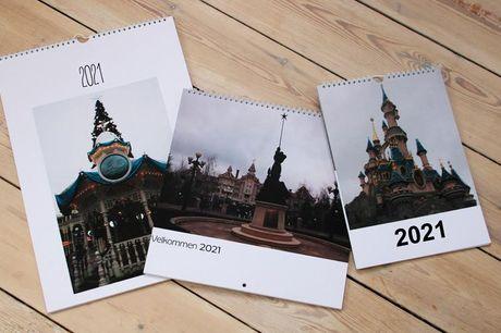 Fotokalender Du kan vælge mellem flere forskellige størrelser alt efter behov. Mangler du eksempelvis en fin lille A4-kalender til kontoret? Eller skal bedsteforældrene forkæles med en stor A3-kalender med billeder af børnebørnene? Så er dette måske et ti