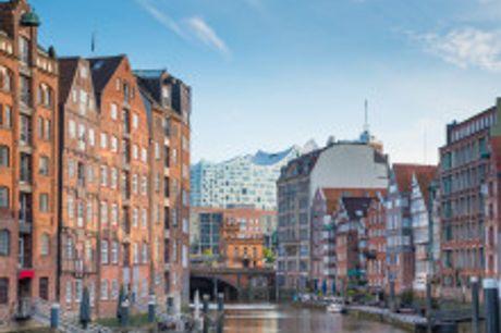 Auszeit an der Elbe und Alster. Ein Besuch der Speicherstadt, ein Spaziergang durch das charmante Blankeneser Treppenviertel oder ein Abend im Musical – Hamburg ist immer eine Reise wert