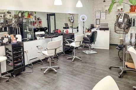 Sesión de peluquería con opción a tinte, mechas y tratamiento de principios activos en Estudio Graccirene