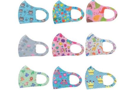 Genanvendelige mundbind til børn.  Fra 4-12 år Med denne deal kan du vælge at købe 2, 4 eller 10 mundbind med et sødt print, som gør det lidt sjovere at bære. Mundbindene er lavet i et åndbart og behageligt materiale, som er nemme at trække vejret i