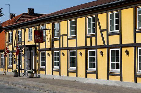 Den Gamle Kro i Hornslet. Besøg hyggelige og historiske Den Gamle Kro i Hornslet, der ligger på Djursland lige nord for Aarhus. Her bliver I forkælet med 1-2 overnatninger, middag og lækker morgenbuffet.