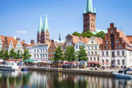 Hauptstadt der Hanse an der Ostsee. Von Oktober 2021 bis Januar 2022 buchbar! In demeleganten Stadthotel Vier Jahreszeiten Lübeck werden Sie von modernen, komfortabel eingerichteten Zimmern und Suiten erwartet. Hellblaue Akzente peppen das ansonsten schl
