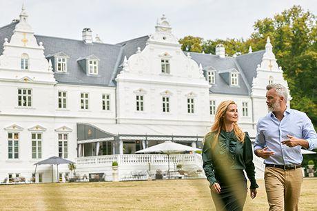 NYHED! Lad Kokkedal Slot Copenhagen danne rammerne om et ophold i absolut særklasse. Det historiske slot ligger i naturskønne omgivelser i Nordsjælland – omgivet af skov og tæt på Øresund. Inkl. 4-retters gourmetmiddag og adgang til spa.