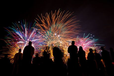 £10 for 50% off fireworks from Dynamic Fireworks