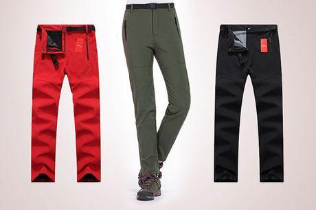 Slidstærke og lune outdoor-bukser med masser af praktiske funktioner. Vælg mellem flere farver og størrelser.