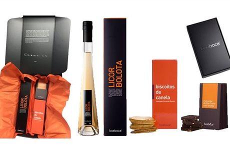 Surpreenda a família e amigos com este cabaz Boa Boca composto por 3 produtos artesanais: Licor, Biscoitos e Chocolate Negro. Escolha os sabores que mais combinam consigo e aproveite já por apenas 29,90€