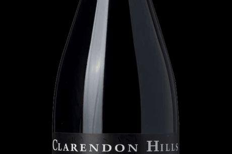 Clarendon Hills, Astralis Syrah 2015. Astralis er Clarendons absolutte prestigevin og et moderne australsk ikon. Det er fra Clarendons absolut bedst vinmark med næste 100 år gamle vinstokke, som leverer en minimalt, men intenst udbytte. Og årgang 2015 var