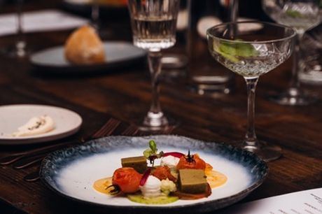 Hilversum - slapen & dineren: tweepersoonskamer voor 2 incl. ontbijt en naar keuze diner(s) in Grand Hotel Gooiland