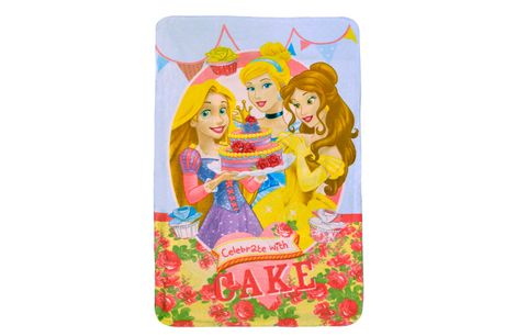 £4.99 instead of £17 for a Disney Princess fleece blanket from Bubble Bedding - save 71%