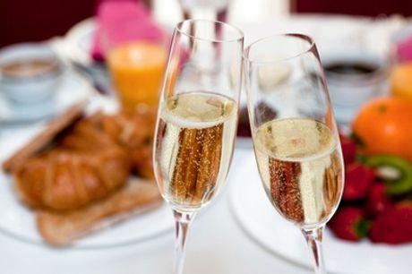Exquisites Champagner-Frühstück für 2 oder 4 Personen im Restaurant Ganymed (bis zu 43% sparen*)