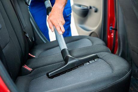 Grundig ind- og udvendig vask og pleje af bilen.  Rødovre: T&M Bilpleje Kør den forbi T&M Bilpleje i Rødovre, og forkæl den med grundig rengøring både indvendigt og udvendigt. Du kan vælge mellem en Premium Pakke eller en Plus Pakke alt efter, hvor beskid