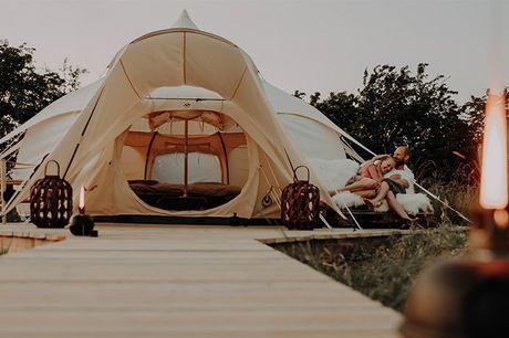 Ophold i den fynske natur - 1 overnatning på Thorséng Nature Resort med velkomstdrink og kage - Aftensmad, let morgenmad, frokost - Morgentræning - Flydeterapi eller pilates/yoga & barrekoncept (varierer) - Wellness om aftenen og fri afbenyttelse af pool