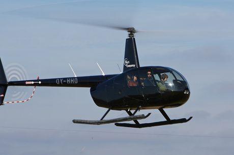Få en oplevelse for livet! En helikoptertur med HeliCompany er en spændende oplevelse og giver et smukt udsyn. Der kan sidde op til tre i helikopteren, og der flyves fra Kbh, Aarhus og flere andre større byer. Fra 499 kr. pr. person.