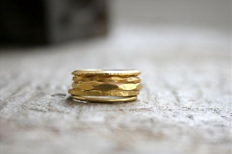 Neste Wokshop terá a oportunidade de fazer 5 anéis em Prata 925 totalmente personalizados ao seu gosto e aprender alguns truques e segredos da arte da joalharia. Não perca esta oportunidade! Apenas 79,90€