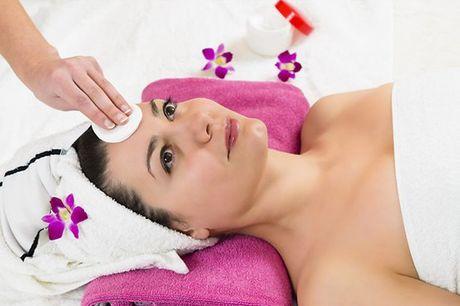 Este tratamento consiste na utilização de uma caneta com 11 agulhas que, através do microagulhamento, irá ajudar na estimulação da pele, assim como na nutrição, oxigenação e hidratação da mesma. Não espere mais e comece já hoje a cuidar do seu rosto. Apen