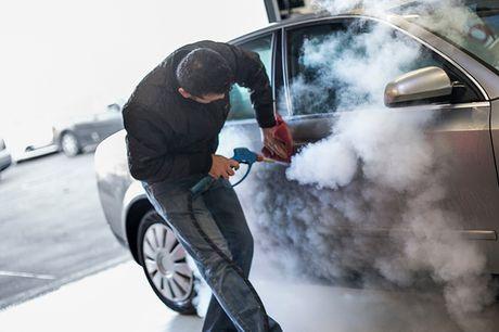 Miljøvenlig bilrengøring. Hos Ok Plus Bilpleje i Hvidovre står de klar til at give din bil en ordentlig omgang: både ind- og udvendigt. De bruger damp til at rengøre din bil, hvilket er den mest effektive og sikre måde at vaske biler på. Det er skånsomt f