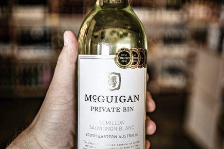 McGuigan Private Bin Semillon Sauvignon Blanc 2017. Frisk, frugtig og halvtør. Uhyre populærblandt Vivino brugere (mere end 40 bedømmelser). Er du på jagt efter enhvidvin som er frisk og frugtig? Så er du havnet på det rigtige sted. Der er her tale om