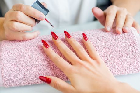 £13.99 instead of £199 for an online acrylic nails diploma from Online Beauty Training - save 93%