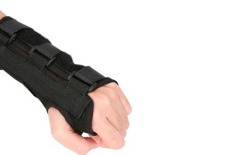 Velgørende håndledsstøtte med to bløde skinner, der virker aflastende og stabiliserende på dit håndled. Fås til begge hænder og i tre størrelser.