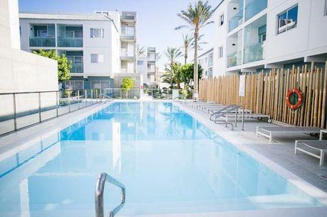 Sonnenverwöhnte Strandauszeit auf Fuertenventura - Kostenfrei stornierbar, Bristol Sunset Beach Apartments,  Corralejo, Fuerteventure, Kanaren, Spanien - save 51%
