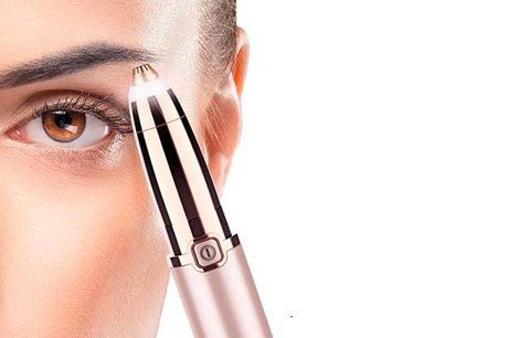 Dine øjenbryn vil altid stå knivskarpt efter brug af denne øjenbrynstrimmer, der med sit indbyggede lys sikrer, at du får alle hår med.