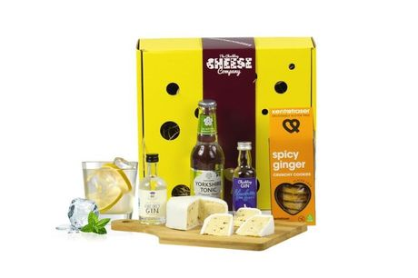 £19 for a botanist gin and cheese box from The Chuckling Cheese Company