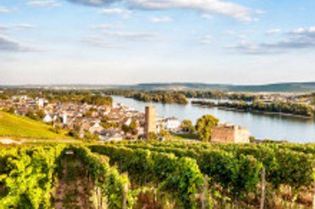 Romantische Auszeit inmitten der Weinberge am Rhein. Februar bis April 2021 buchbar! Im schönen Rheintal empfängt Sie zwischen den Weinbergen Ihr gemütliches 4-Sterne Hotel Traube Rüdesheim