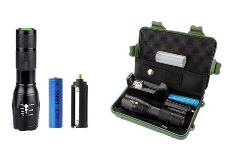 Kraftfuld LED lommelygte med genopladelig batteri. Kraftfuld LED lommelygte - perfekt til teltturen, aftengåture med hunden, campingferien eller jagt -  Denne LED lommelygte er utrolig praktisk! Lygten kan lyse op til 800 lumen, hvilket betyder, at du kan