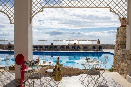 Imposanter Meerblick auf den Klippen Apuliens - Kostenfrei stornierbar, Hotel Piccolo Mondo, Castro, Apulien, Italien - save 29%