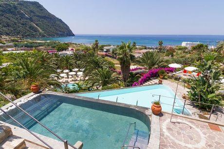 Ischia – Insel der Blumen & heißen Quellen - Kostenfrei stornierbar, Hotel Semiramis Ischia, Forio, Ischia, Italien - save 37%