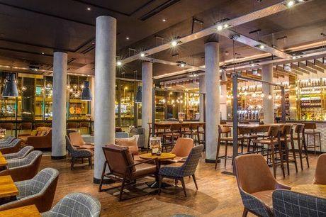 Stilvoller Manchester-Trip - Kostenfrei stornierbar, DoubleTree by Hilton Hotel Manchester - Piccadilly, Manchester, England, Großbritannien - save 55%