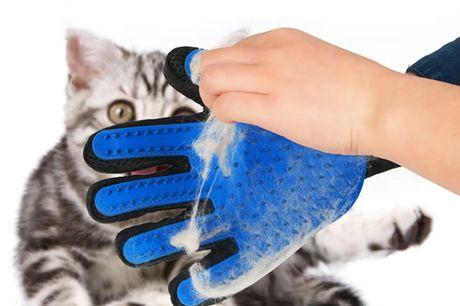 Smart silikone handske der fungerer ligesom en striglebørste - bare mere effektiv!. Når du stryger din hund eller kat med denne silikonehandske, trækker du de løse hår af. Den fungerer ligesom en strigle, men er bare nemmere at bruge, fordi den sidder så