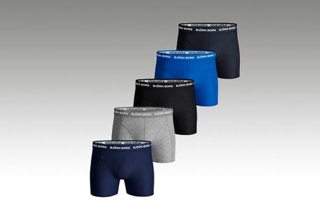 Få kvalitet inderst inde med 5 par flotte og behagelige boksershorts fra kvalitetsmærket Björn Borg.