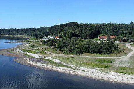 Skønt ophold for 2 på Sallingsund Færgekro inkl. billet til Jesperhus Blomsterpark. Vælg mellem 1 eller 2 overnatninger inkl. fantastisk mad, vinmenu og morgenbuffet