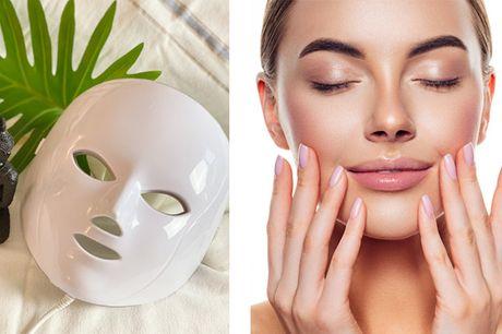"""Oplev effekten af  """"Magic Light"""" på din hud med en lysterapimaske, der stimulerer hudens collagen- og elastinproduktion."""