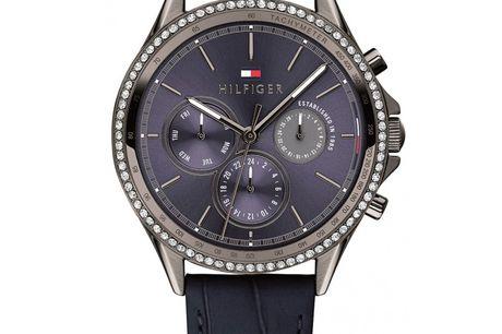 Tommy Hilfiger 1781979 Tommy Hilfiger designer og producerer ure i meget høj kvalitet. Urerne er designet af det ikoniske modehus Tommy Hilfiger, som blev stiftet af Thomas Hilfiger i New York. I dag er Tommy Hilfiger et af verdens største modehuse. De