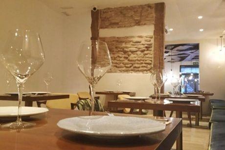 Menú gallego para 2 con entrante, cachopo, postre y botella de vino en Picholeiros (hasta 54% de descuento)