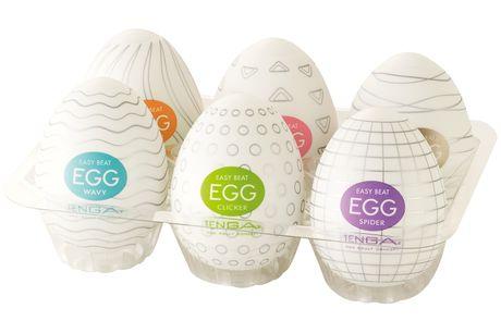TENGA Eggs Masturbator 6 pack. Disse uskyldigt udseende æg er yderst populære masturbators til mænd. Inden i hver skal finder du et blødt og ekstremt elastisk sleeve med et stimulerende indre med forskellig struktur. Vælg din favorit og nyd det solo eller