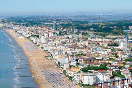 Lido di Jesolo kaldes Europas Miami med sine 15 km. strand og by. 6 dage inkl. - 5 overnatninger - 5 x morgenbuffet - 1 x cappuccino - Gratis aircondition - Strand med parasol og liggestol