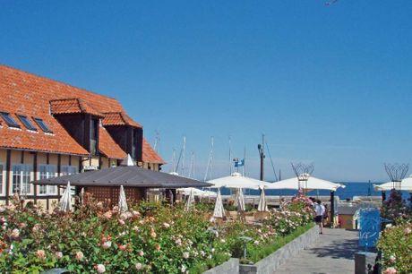Bo midt i den borholmske havneby Svaneke. 4 dage inkl. - 3 overnatninger - 3 x morgenbuffet - 1 flaske mousserende vin på værelset - Blomst på værelset - Gratis internet og parkering