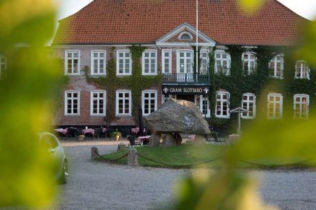 Nyd et kroophold i skønne omgivelser i hjertet af Sønderjylland. 3 dage inkl. - 2 overnatninger - 2 x morgenbuffet - 2 x 2-retters menu/buffet - 1 glas bobler - Gratis internet og parkering
