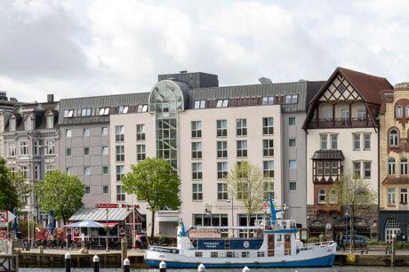 Hyggeligt hotel centralt i byen, tæt på havnen. 3 dage inkl. - 2 overnatninger - 2 x morgenbuffet - 1 x 3-retters menu - 1 velkomstdrink - Gratis adgang til Aquapoint