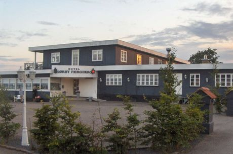 Hotel Hørby Færgekro. Afslappende kroophold ved Isefjorden og kunst og kultur i Holbæk. 3 dage inkl. - 2 overnatninger - 2 x morgenbuffet - 2 x 2-retters menu/buffet - Gratis parkering - Gratis internet